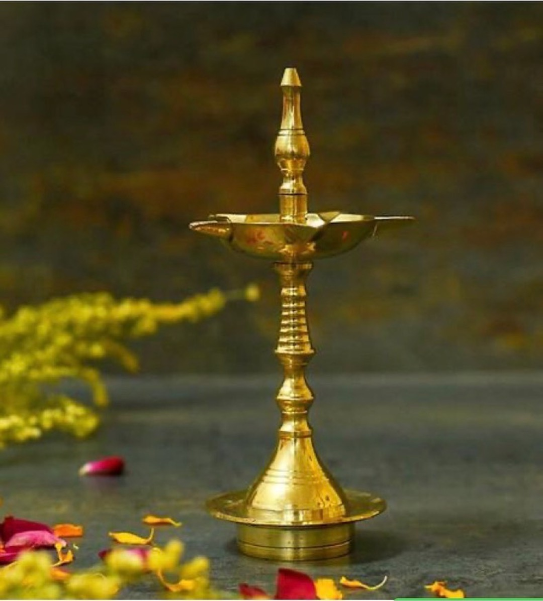 Theartisanalhandicrafts@gmail.com  Handcrafted Traditional deepak oil lamp made from brass. . Dm for more details  . #godidols #yoga #spritual #peace #buddha #handicraft  #handmade #brasshandicraft #dreamcatcher #painting #russia #usa #france #positivevibes #decore #interior pic.twitter.com/ZPhNYb41xD
