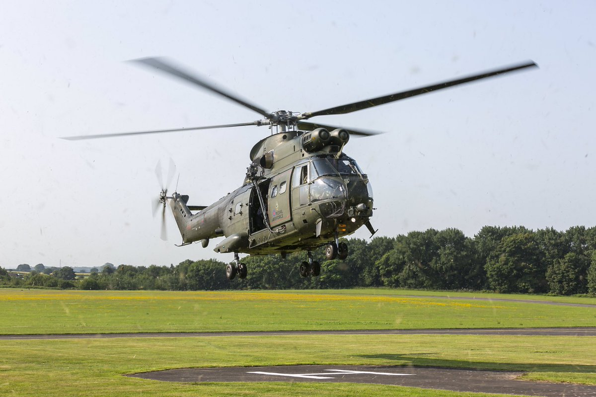 You know we are normally all about the Jaguar at Cosford, but when another big cat, a Puma from @RAFBenson, turns up on the airfield, that deserves a bit of love too. Great images by @RafPhotog Cpl Trina Knox taken on Wednesday 24 June. https://t.co/tzYL4APtMK