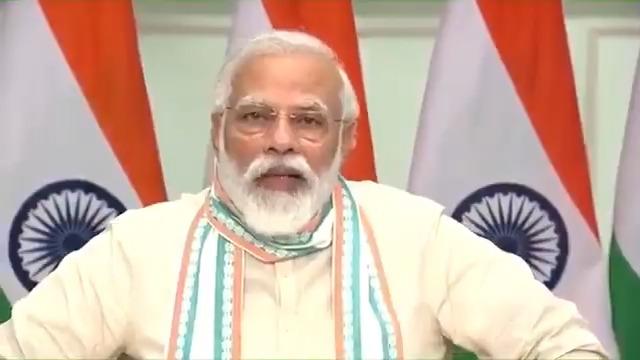 उत्तर प्रदेश हमेशा से भारत के प्रगति-पथ का सबसे महत्वपूर्ण हिस्सा रहा है। गांव-गरीब और देश को सशक्त करने के जिस मिशन को लेकर हम चले हैं, उसमें राज्य का योगदान अब लगातार बढ़ रहा है। बीते करीब तीन वर्षों में हर बड़ी योजना पर उत्तर प्रदेश ने तेज गति से काम किया है।