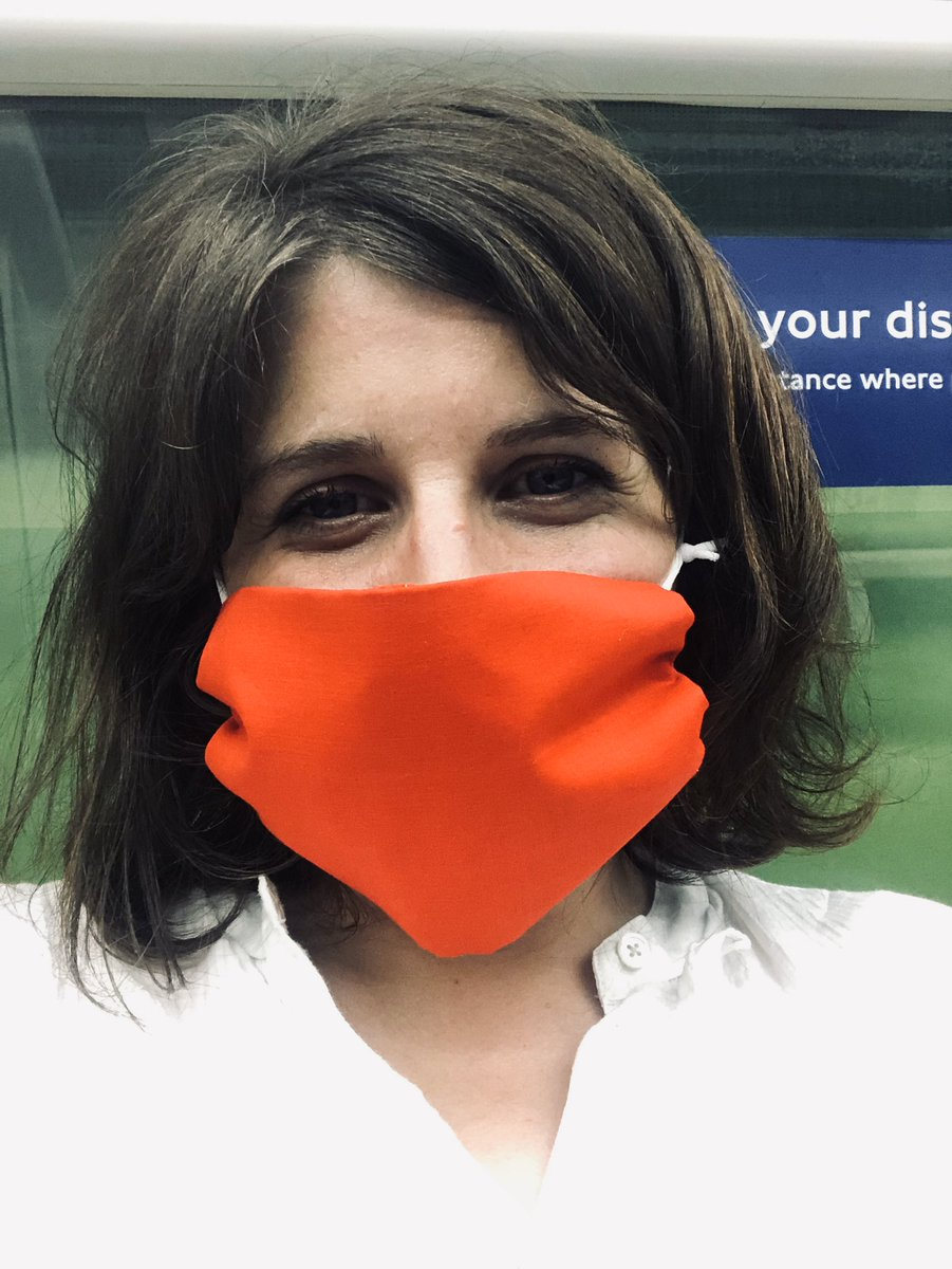 Thank you for my fab mask @lockhatters - makes my commute brighter after a day in the hospital- even on a very hot and airless tube! https://t.co/kKCUmR3IxM