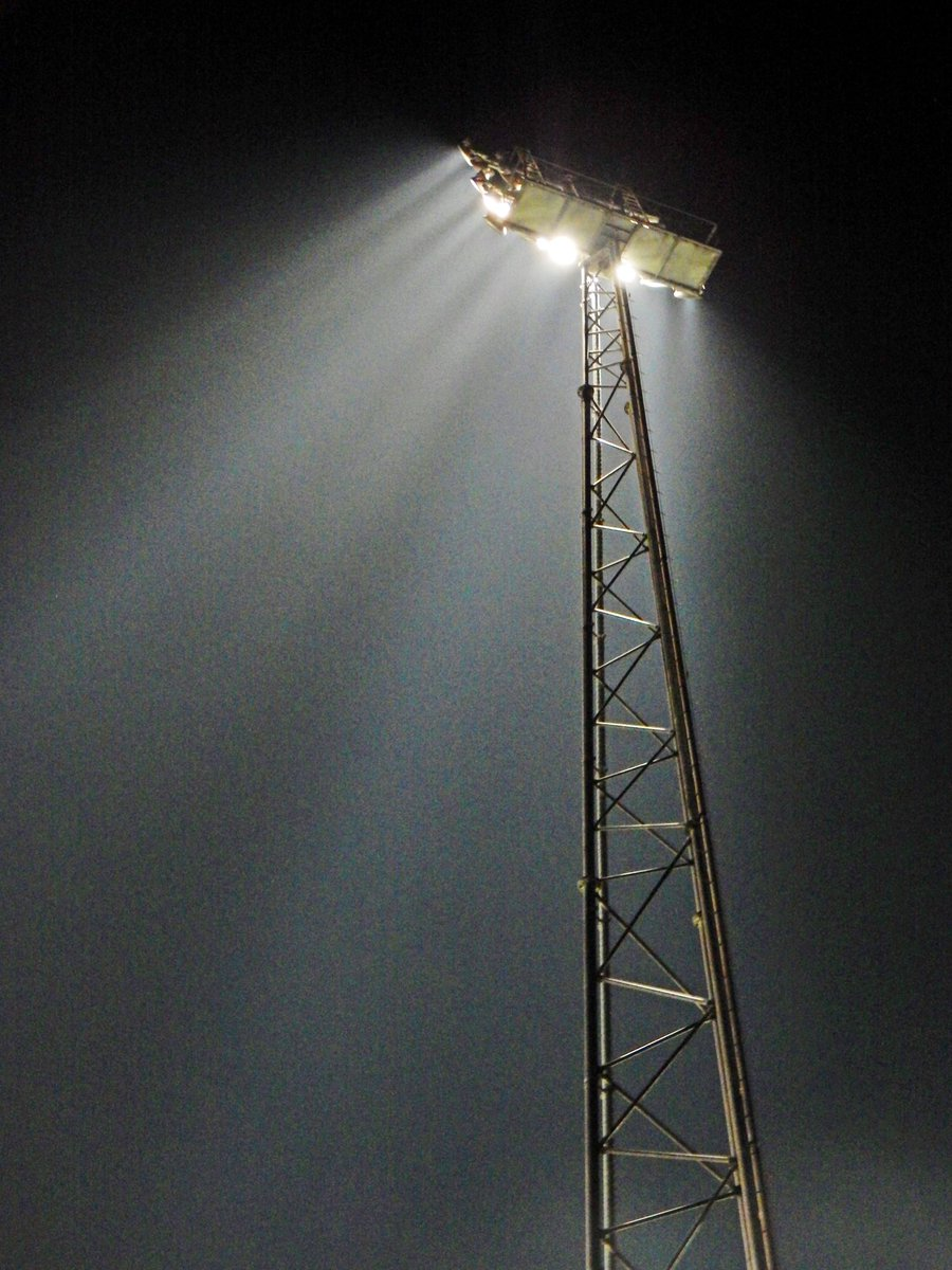 It's another #FloodlightFriday so here is some light from @HeraclesAlmelo