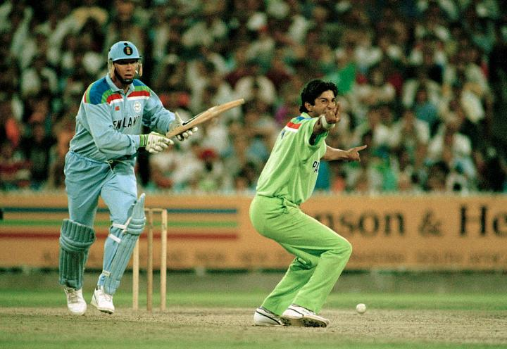 👉 Quick-fire 18-ball 33 👉 3/49, including key wickets of Ian Bothan and Allan Lamb  In 1992 at the MCG, Wasim Akram delivered a stellar all-round performance to help Pakistan win their only @cricketworldcup title to date.  #ICCHallOfFame https://t.co/nWbcpZEE1A