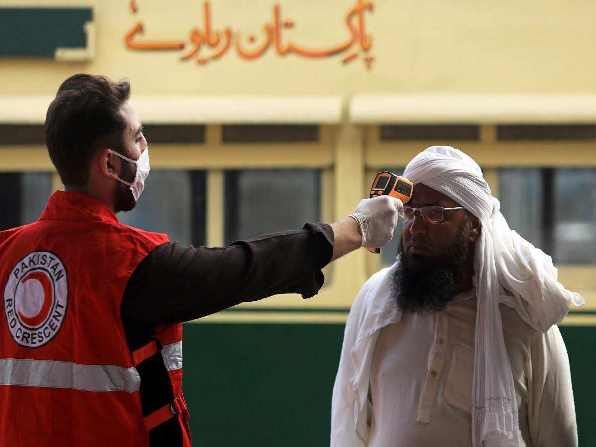 Pakistan records lowest single-day spike in coronavirus cases after a month https://t.co/htxvNfVZC8 via @TOIWorld https://t.co/5tBnerGZSp