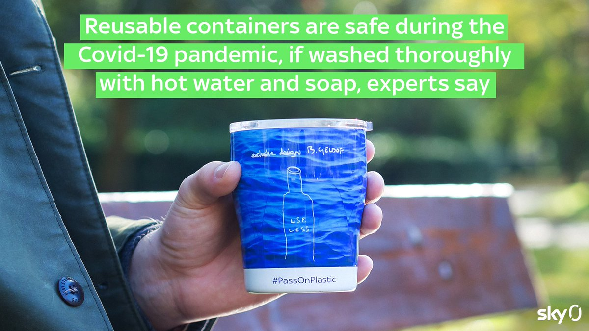 Over 100 scientists have said that using reusable containers does not increase the chance of #COVID19 transmission, as long as they are washed thoroughly with hot water and detergent or soap. 💧🧼 | Source: @guardian https://t.co/3CwdtxDqwH