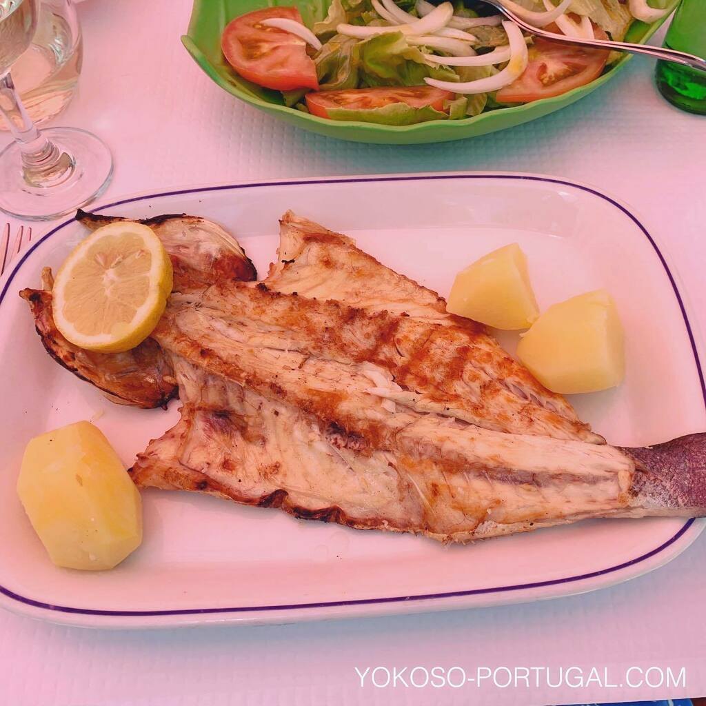 test ツイッターメディア - スズキの炭火焼き定食。ポルトガルでは魚介類がたくさんたべられます。 #ポルトガル料理 https://t.co/lAAeiaaUtR