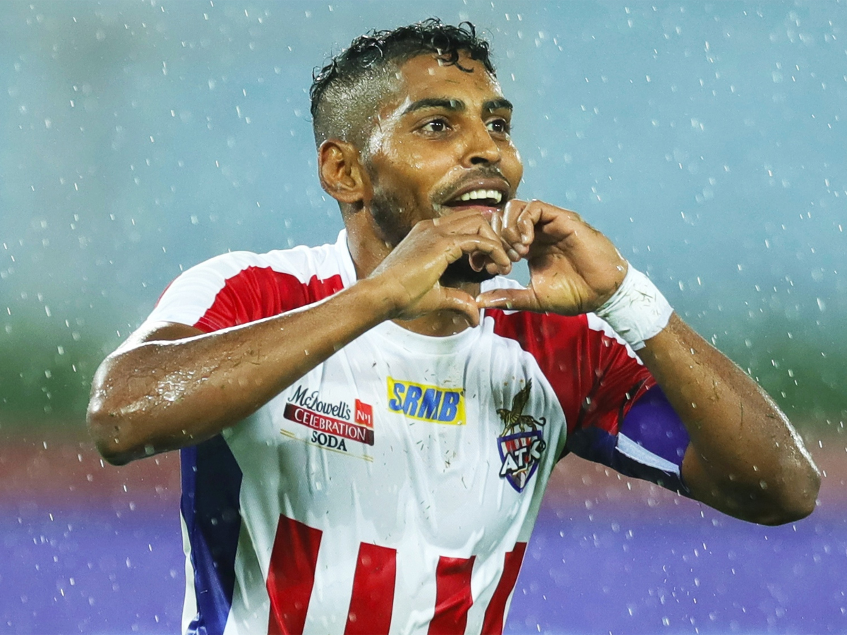 #Football #ISL Roy Krishna gets contract extension, to play for @ATKFC till next year Read: toi.in/RA86ka/a24gk
