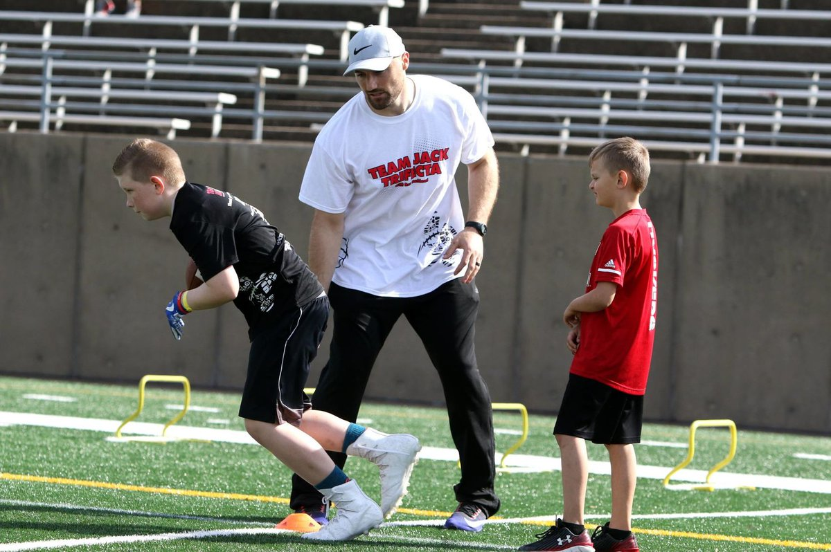 REGISTRATION IS OPEN for the 4th Annual Team Jack Trifecta Football Camp with @RBrex34 presented by @atmosenergy! Although this event is now virtual, you won't be disappointed! Click here for details and to register: https://t.co/bzMCJ8BD6H https://t.co/lRdjjz6vkv