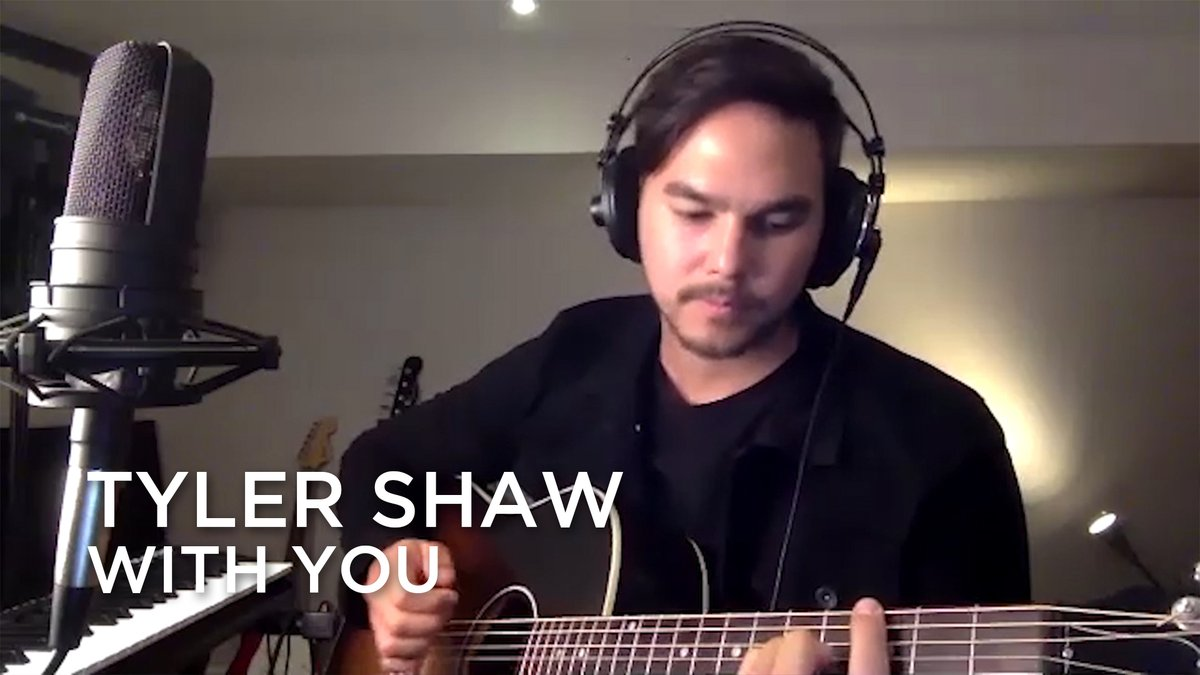 .@TylerShawMusic plays the role of gracious host with his performance of With You for his guests @patrickwatson, @nuelacharles and @thereklaws for the 5th edition of the #Junos365 Songwriters Circle. @TheJUNOAwards @SOCANmusic @canmuspub Full Episode: bit.ly/2NyfMkQ