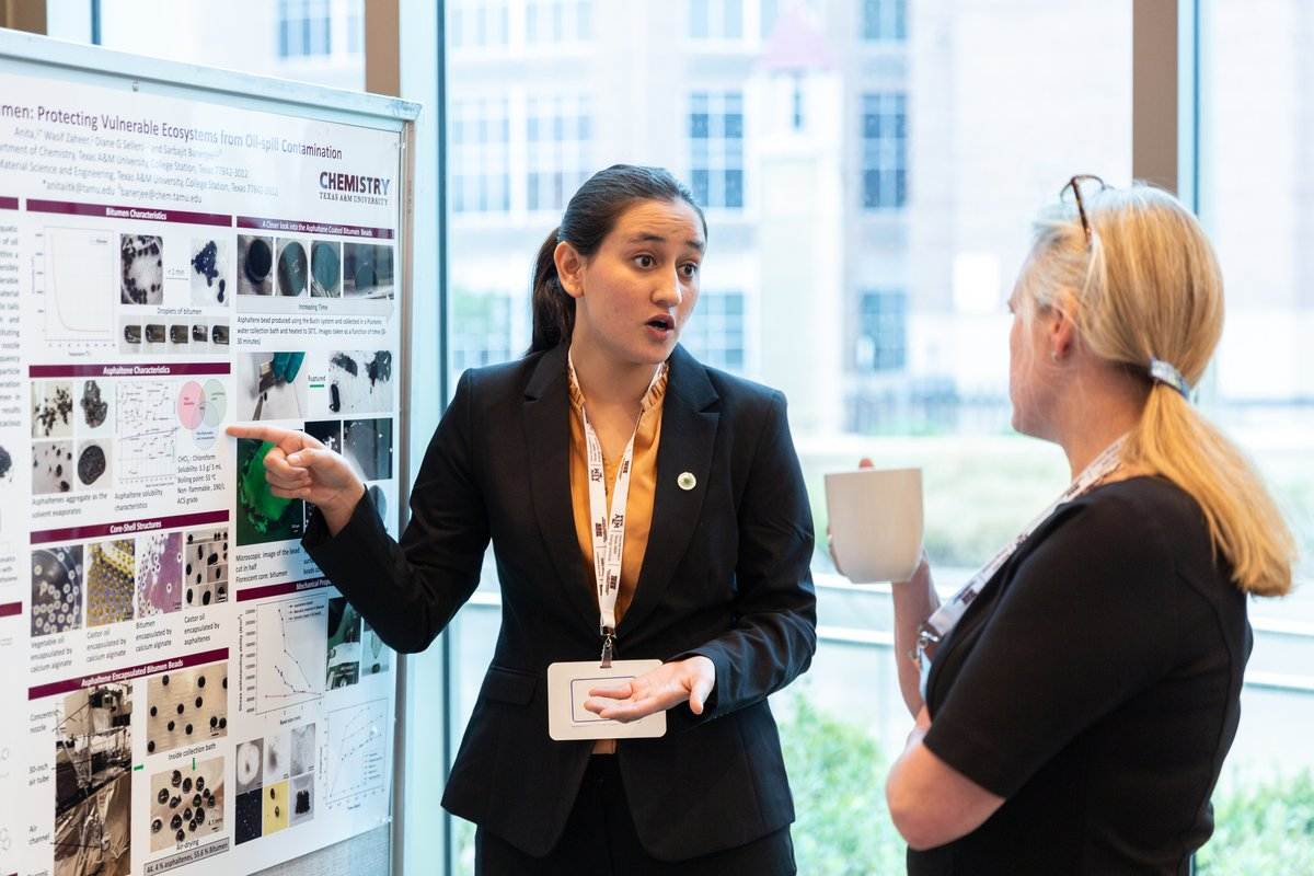 Photo of the week: A student presents her poster during the student poster competition at the U.S. C3E Women in #CleanEnergy Symposium at @TAMUEnergyInst. #C3Ewomen Photo: Kelley Travers https://t.co/VMX34p7xzh
