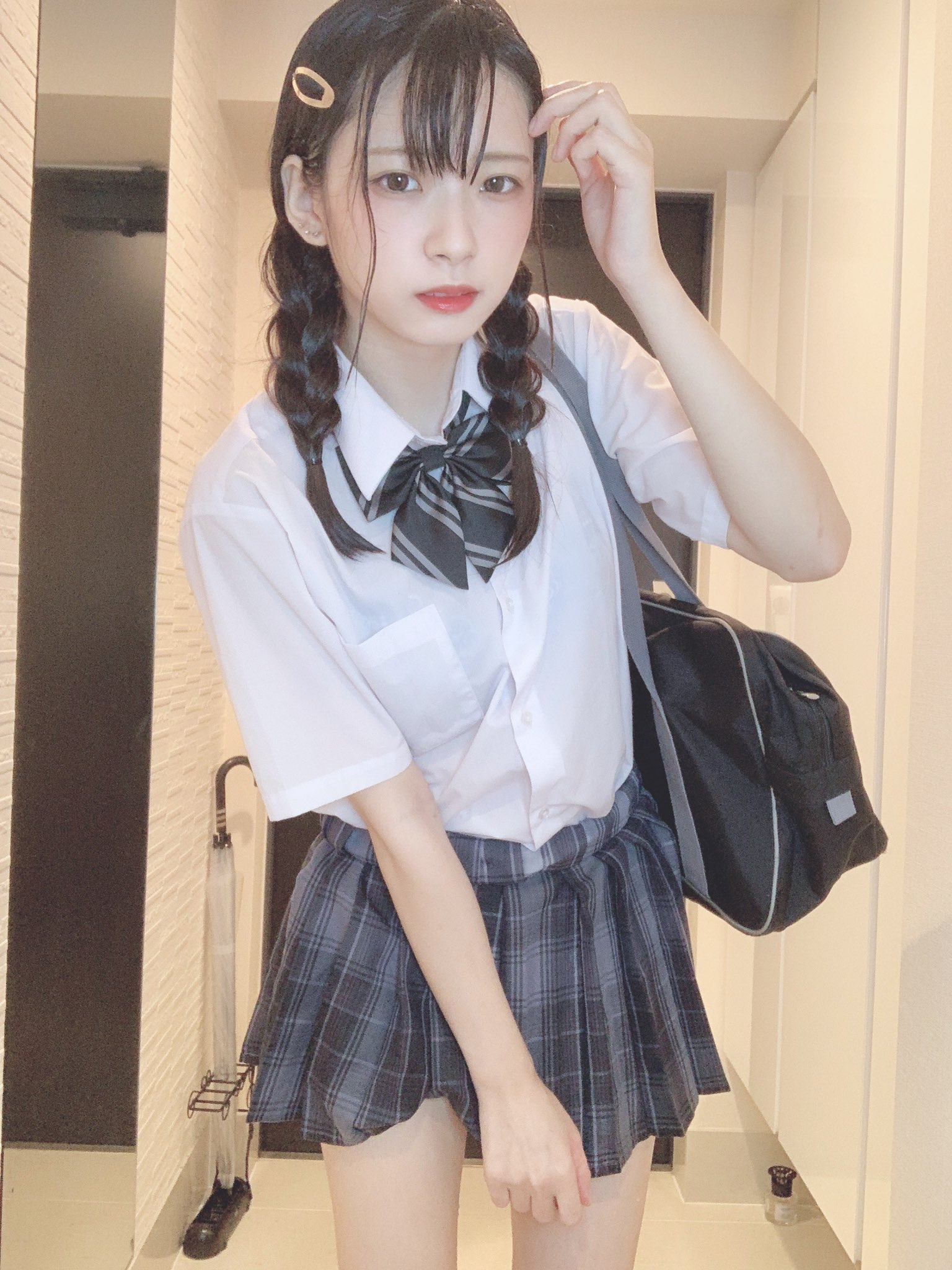 把水手服制服都弄濕了! #水手服 #制服美少女》#Cute #Girl #Pretty #Girls #漂亮 #可愛 #青春活力