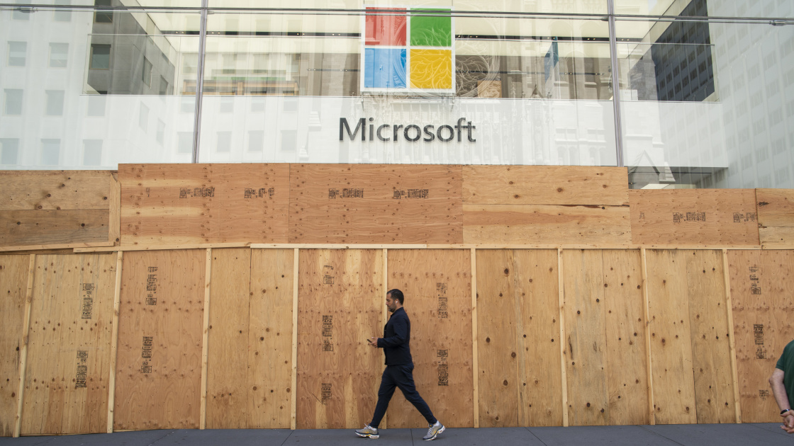 Microsoft is permanently closing all but a few retail stores