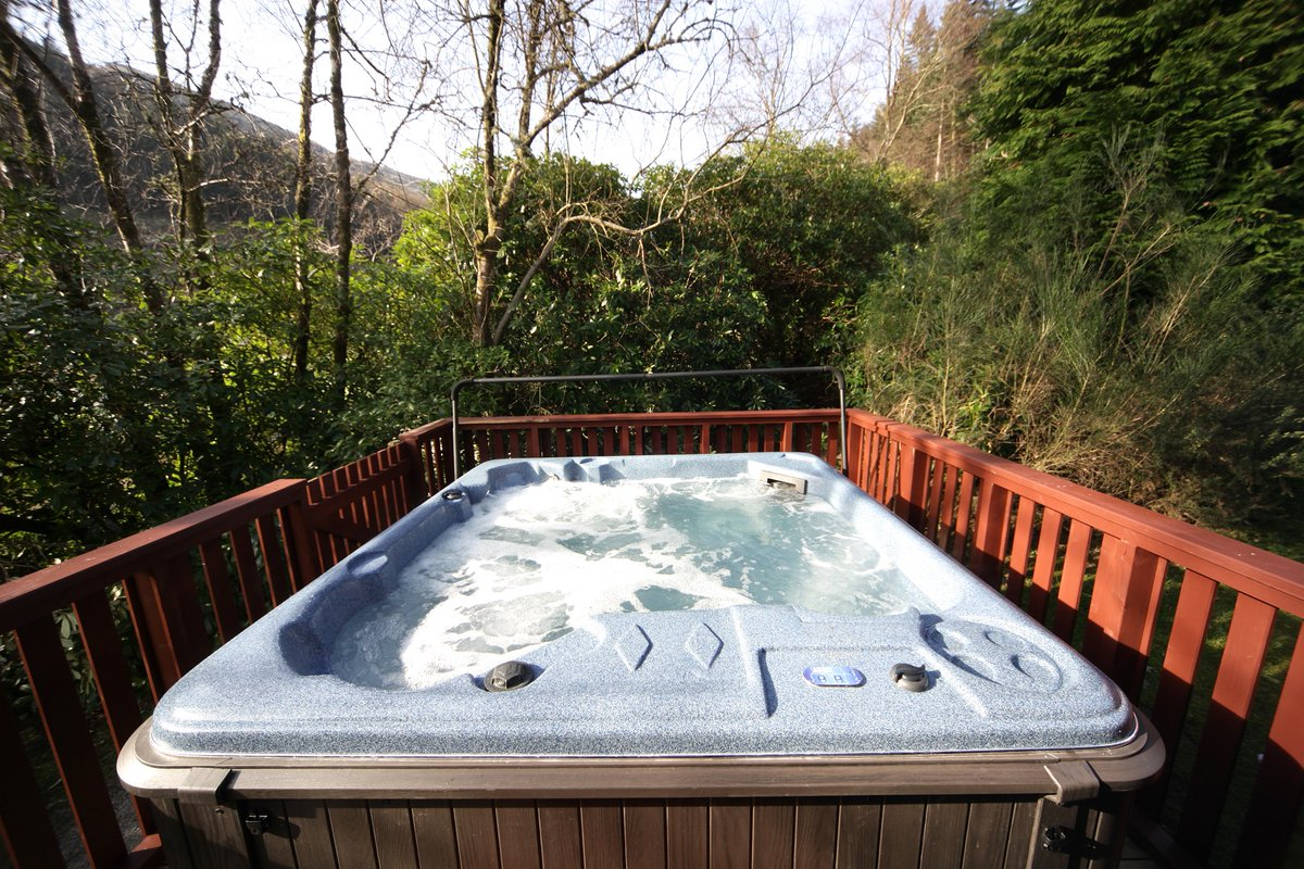 ★ COMPETITION - THREE DAYS TO GO ★  We're getting set to reopen on 3rd July - to celebrate, we're offering you + 4 the chance to be some of our first Hot Tub guests after we reopen!  Follow, Retweet & Tell us who you'd bring!  Safer Stays in Argyll >>>