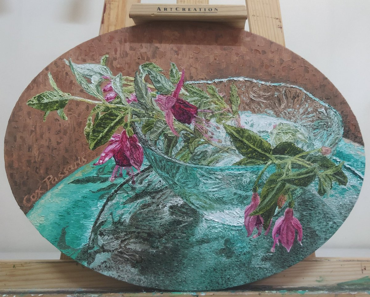 Colour and light, my latest #artwork Oval #canvas 40x30cm. #saatchiart #oilpainting #colours #artistsontwitter #artists #painters #art #impressionism #realism #colour and #light #Flowers #Fuchsia #ArtLovers #FridayFeeling #FridayVibes