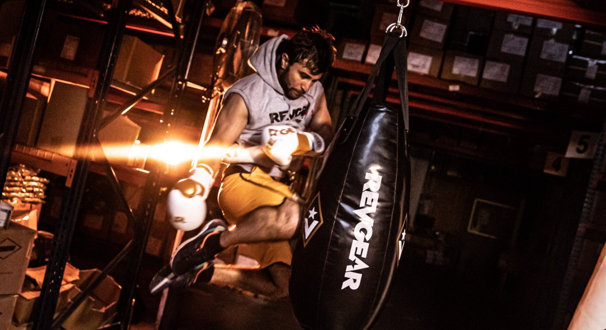From your punching bags to your gloves to your apparel, every detail makes an impact. We feature a wide selection of heavy bags, as well as sling kits & accessories you need to hang bags properly & keep them well maintained. . Shop now at https://t.co/oMepRevuZA #revgear https://t.co/JaLaEDvqZn