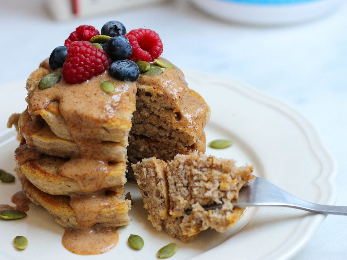This quick, wholesome and hearty breakfast - perfect for the weekend - combines our 3-ingredient banana pancakes with maple-almond drizzle from Food for Health. Enjoy! https://t.co/J1n4enS7CU https://t.co/drL6ADN5DB
