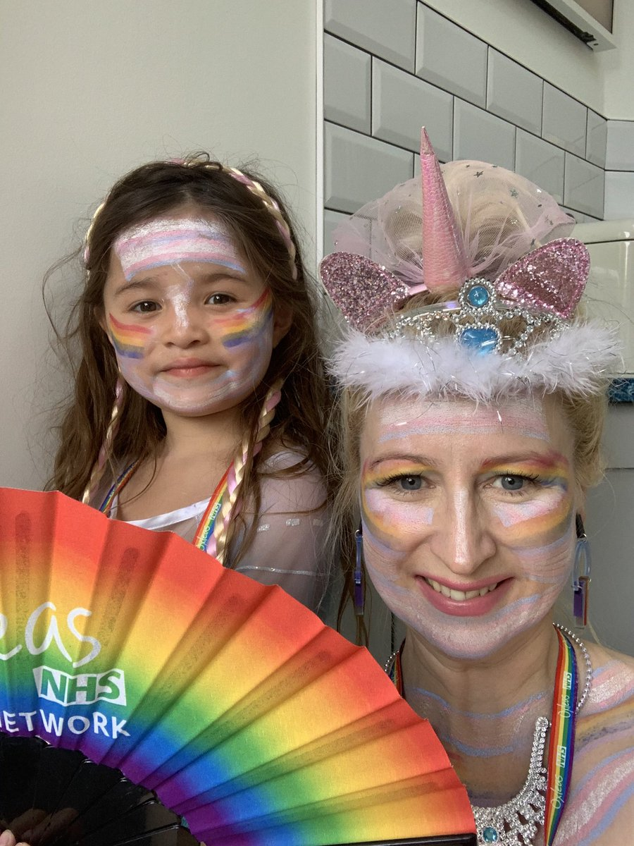 Enjoying #NHSVirtualPride with Princess Elsa! ⁦⁦@VirtualNHSPride⁩ ⁦@OxleasNHS⁩ ⁦@TobiasHill84⁩ 😁
