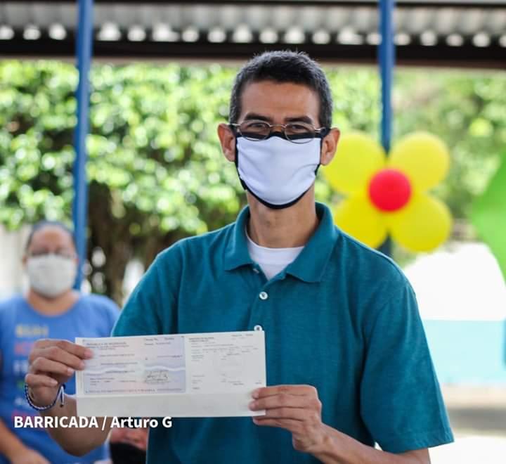 Inicia entrega del bono especial a docentes de Managua, en saludo al Dia del Maestro Nicaraguense  #Nicaragua  #RedFSLN https://t.co/OT1X2sGJid