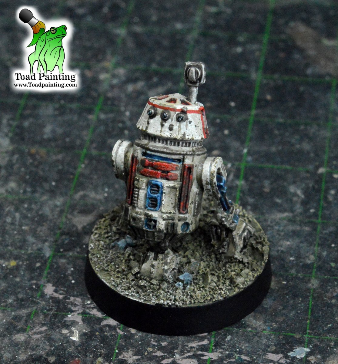This little guy needs a wash. Playing around with dirt on this R5-D4 from #starwarslegion by @FFGames    #minipainting #miniaturepainting #miniatures #StarWars #droid https://t.co/YMShyQVsdd