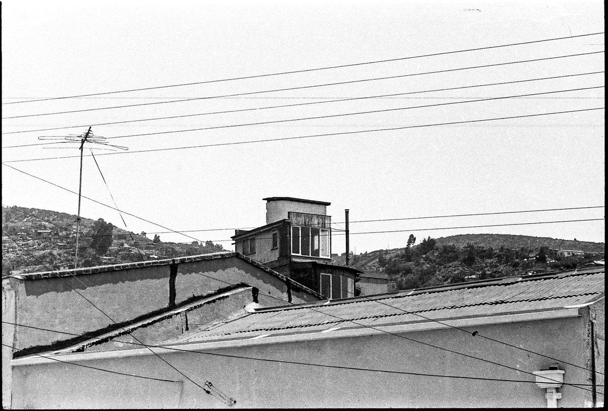 Valparaíso; la Sebastiana...año 1982    #streetphotography #neruda #Valparaiso # https://t.co/m9pVGWXrTF