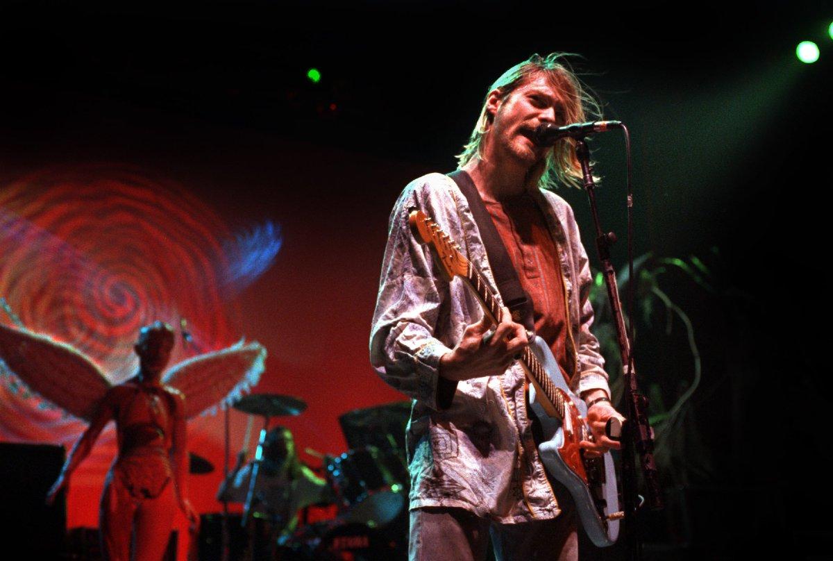 @RockNRollPics's photo on Nirvana