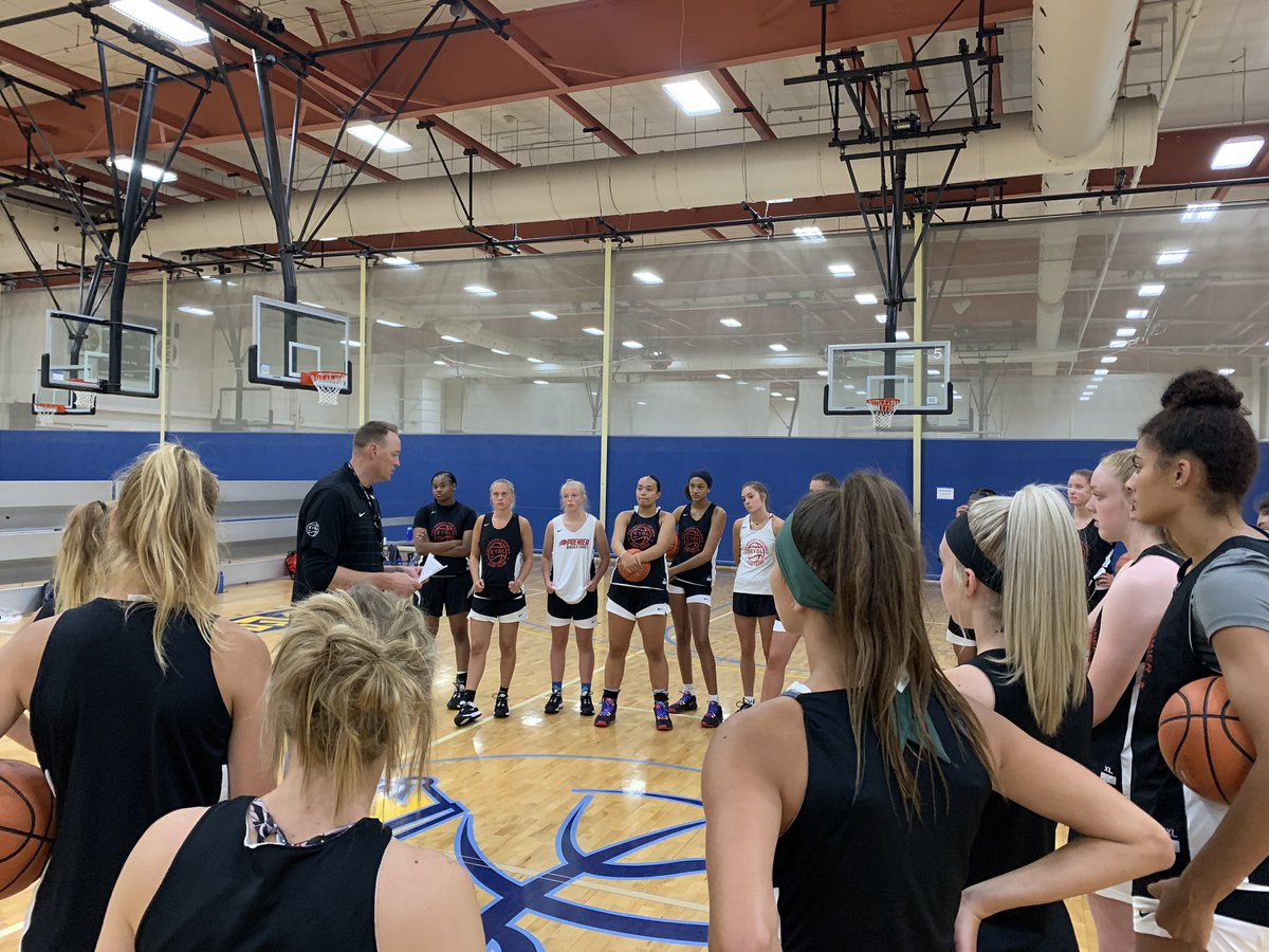 Great to finally have this @NikeGirlsEYBL group together! #wearepremier2020 https://t.co/ixwGIArznE