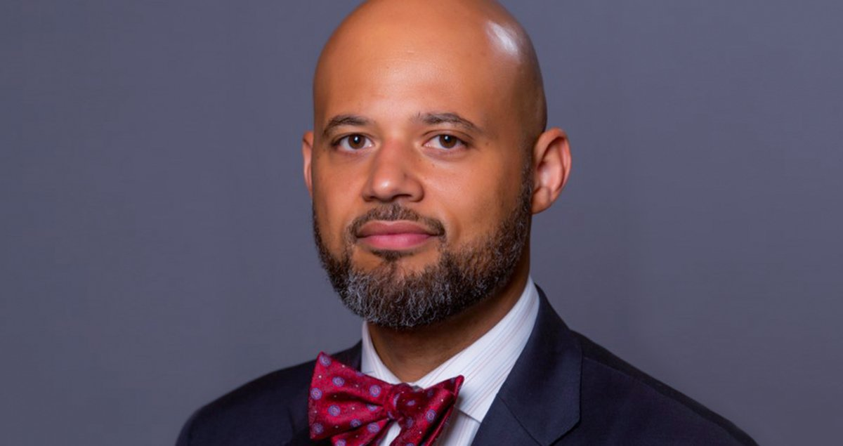 Please give a warm welcome to our new Vice Chancellor for Diversity and Inclusion, Clyde Wilson Pickett! He is a School of Education alum, and leading expert in higher education diversity and inclusion strategy.   Learn more about him, here: https://t.co/uvXzdICVl8 https://t.co/XaTxZoTevp