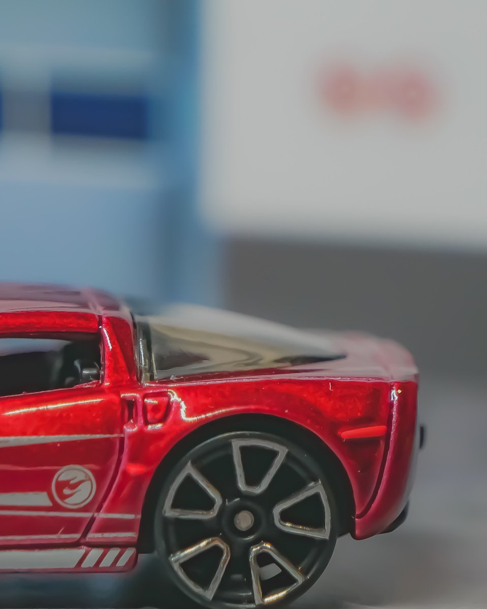 Show us your treasure hunts, super or not, what have you got??   #hotwheelscollector #hotwheelsofficial #hotwheels #hotwheelsaddict #hotwheelsphotography #hotwheelspics pic.twitter.com/YvRBqJUvVs  by SmallCarGarage