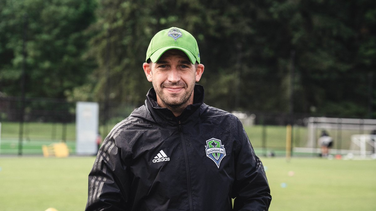 A new podcast episode is out!   This week, @Zakuani11 and @brad_evans3 chat with @OLReign star @JessFishlock & Sounders FC High Performance Director and Technical Advisor @adamowen1980. 🤙  LISTEN ➡️ https://t.co/vuxVUfFage https://t.co/CMDBbVzM1A