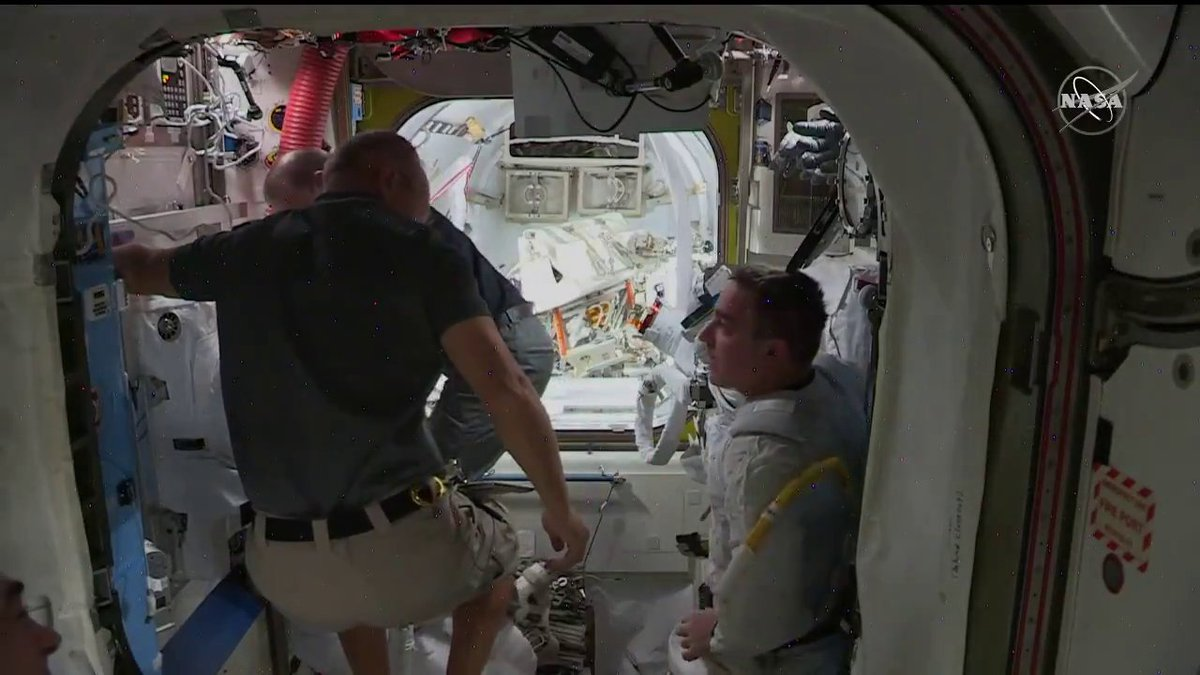 Today, @Astro_Seal and @AstroBehnken completed all the tasks on a spacewalk to upgrade power channels on the @Space_Station, as well as several tasks originally planned for the next spacewalk on July 1. This marks the seventh spacewalk for each astronaut: go.nasa.gov/2ZcwnAe
