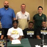 Image for the Tweet beginning: Men's Basketball: Raider Signs to