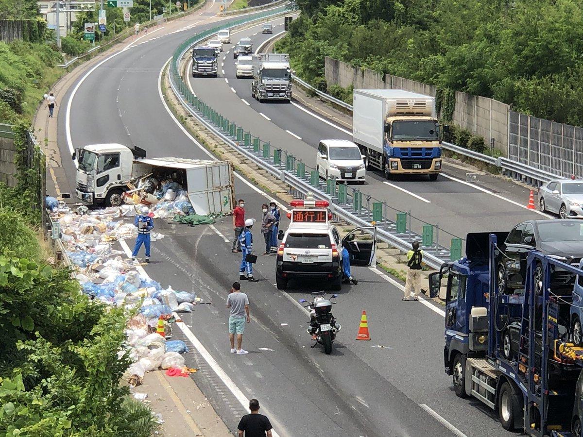 【事故】中央道下り 中津川I.C.〜恵那I.Cでダンプが横転「積み荷が散乱してる」まとめのカテゴリ一覧まとめまとめについて関連サイト一覧