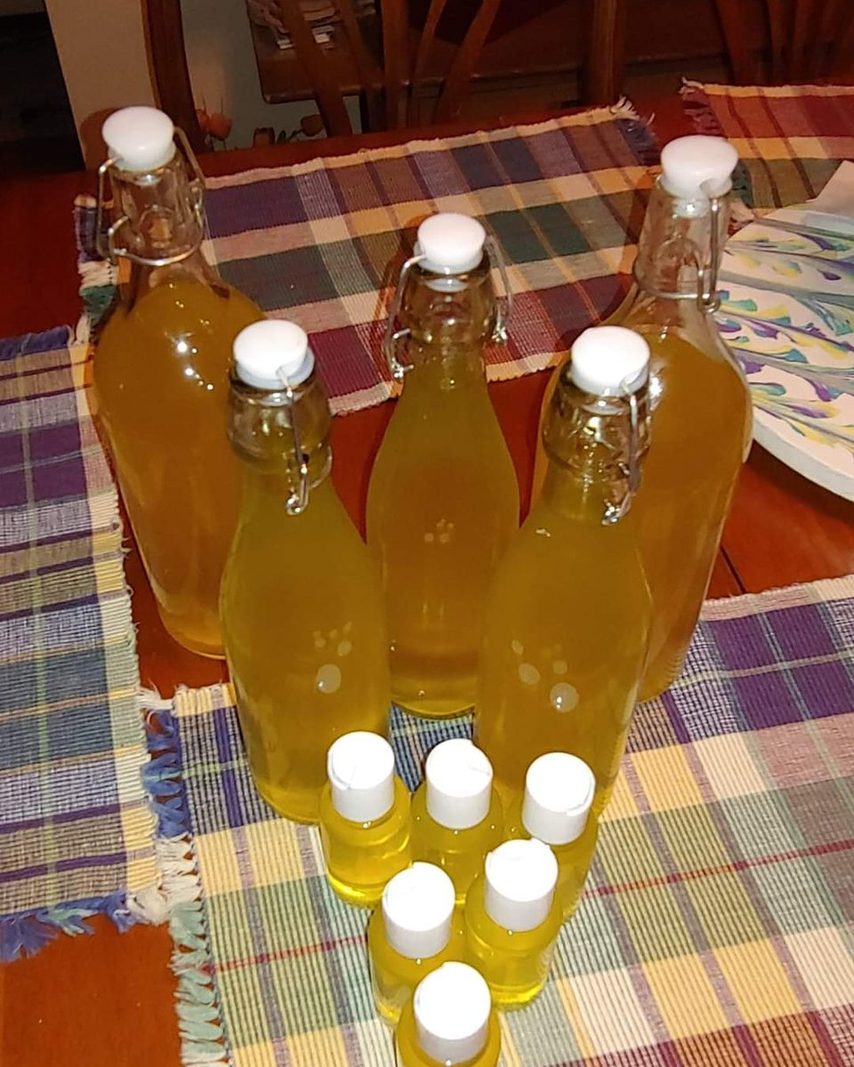 New batch of limoncello bottled! Meant to be shared! #italiangirl pic.twitter.com/Nfw7P44H68