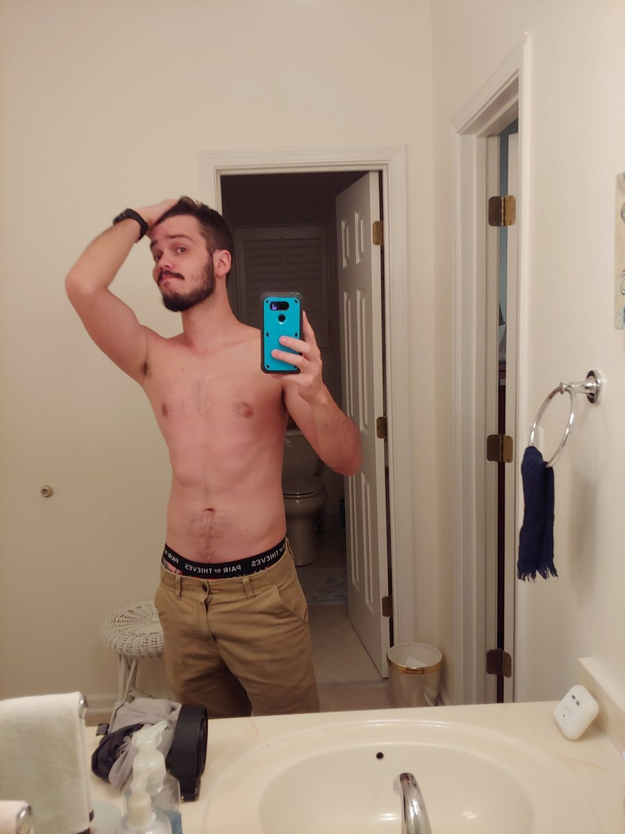 Feel pretty bad in this but, I want to be able to keep track of my fitness on the trail. So AT day 0.  Also I guess this is technically a #flexfriday ? <br>http://pic.twitter.com/djMjjatnWe