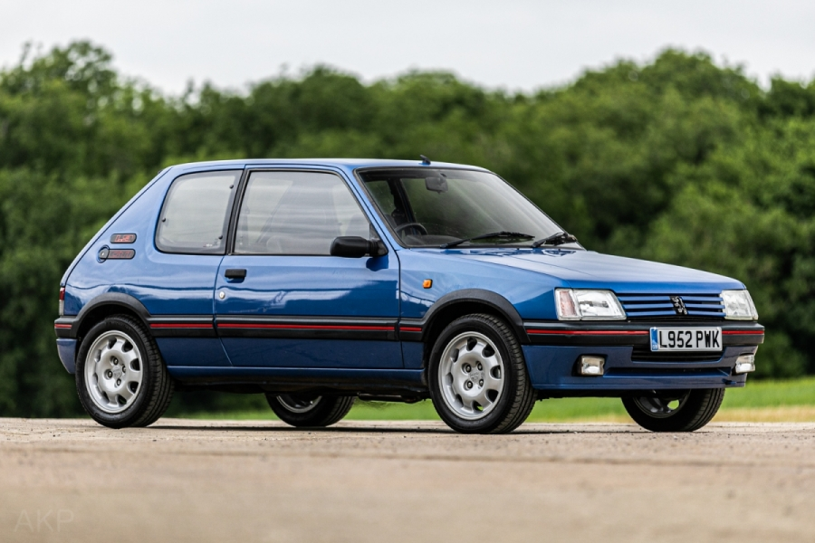 SOLD! Our first lot of the day is the No Reserve 1993 #Peugeot 205 1.9 GTi which has sold for £12,100 (inc. buyers premium) #classiccarauctions #CCApic.twitter.com/7vsTIUmP3D