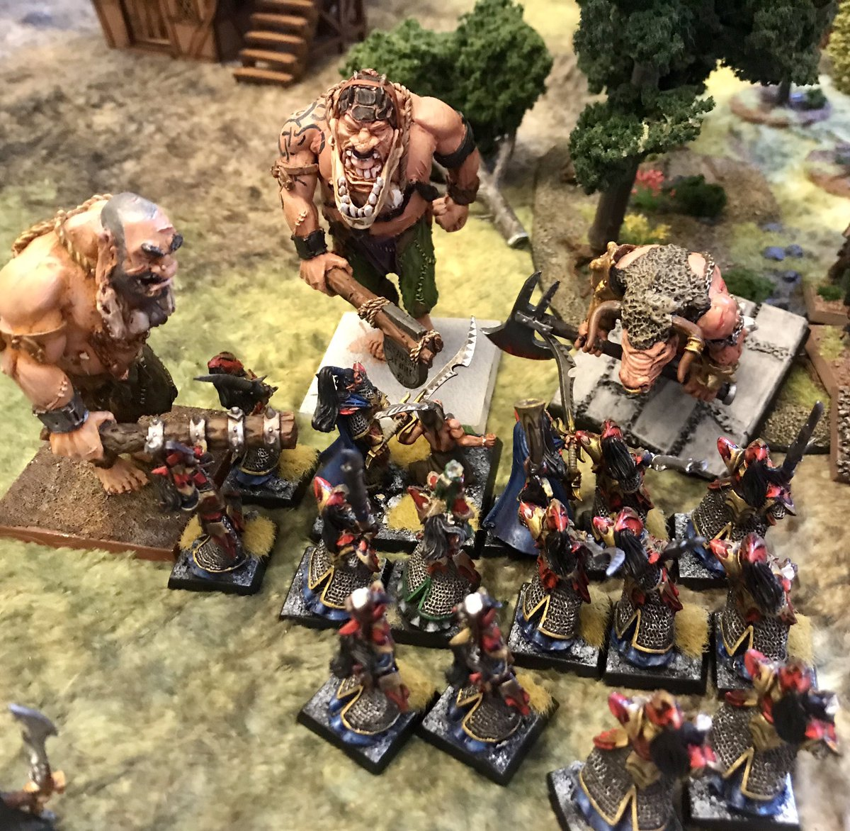 Today is #Warhammerfantasybattles Saturday with my #beastmen facing off against #darkelves. Managed a win - the Bestigors did a great job and the Doombull mounted on a flying carpet was spectacular! #whfb #oldhammer https://t.co/JJt36nzCAd
