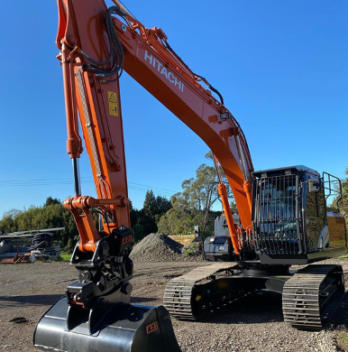 """""""Got the new toy delivered today,"""" says Andrew Empson (@empsonandrew) who recently received this Hitachi ZX210LC excavator. https://t.co/JOLdYfz136"""