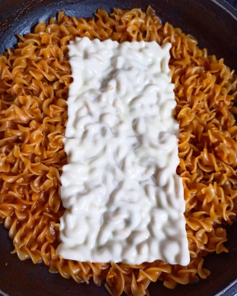 Y for Yum. Fusilli pasta in red sauce with a soft blanket of cheese. 🧀 Too lazy to grate it... Also, the slice looks so much nicer melting on the pasta.  Do you like pasta? . . . . . #vidyasury #fmspad #fms_y #pasta #cookingfromscratch #homemade #hom… https://t.co/uMkOt7Lkwg https://t.co/K6XZzXahdn