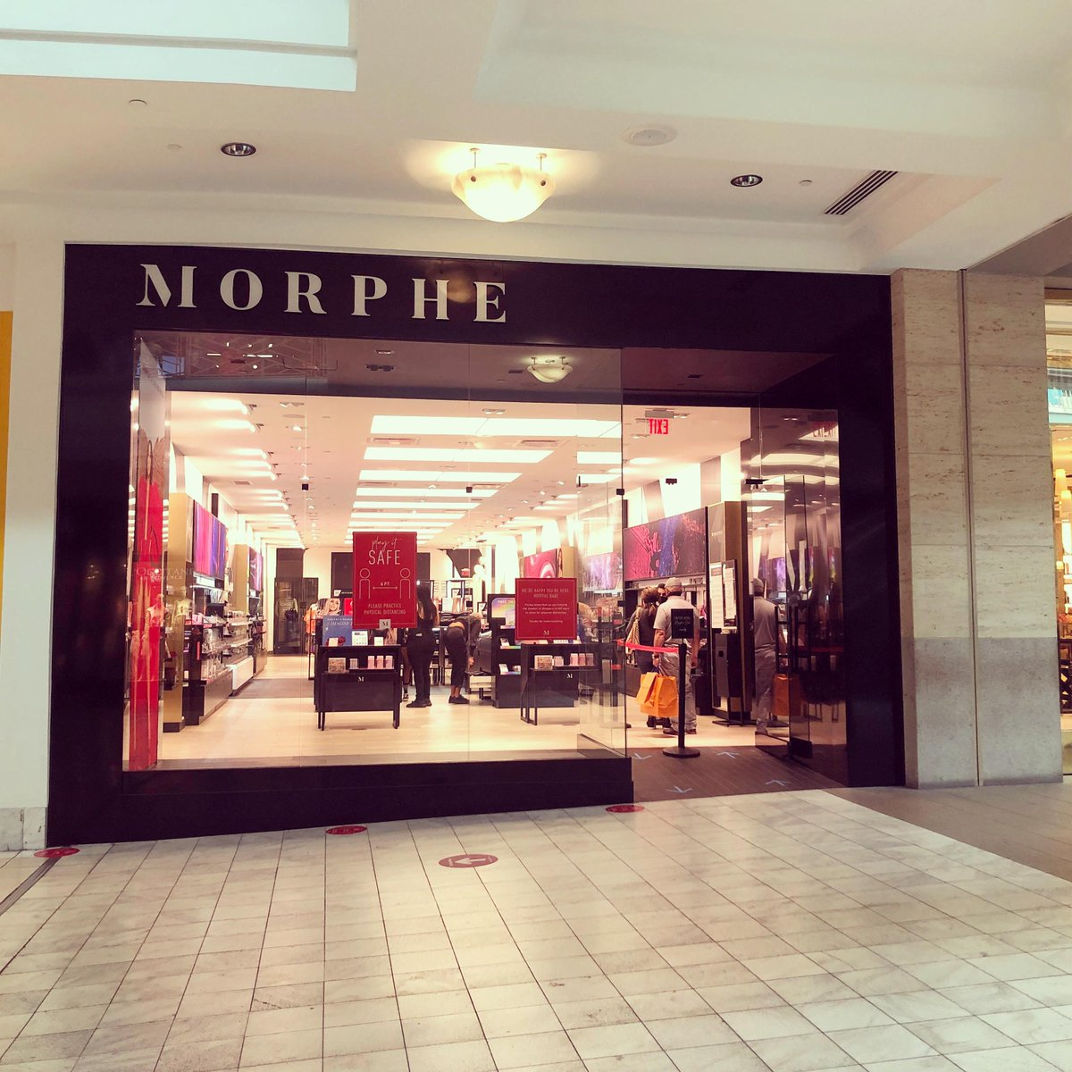 #MorpheBabes the wait is over. @MorpheBrushes has reopened with  safety measures in place.pic.twitter.com/bBCD9GOPCK