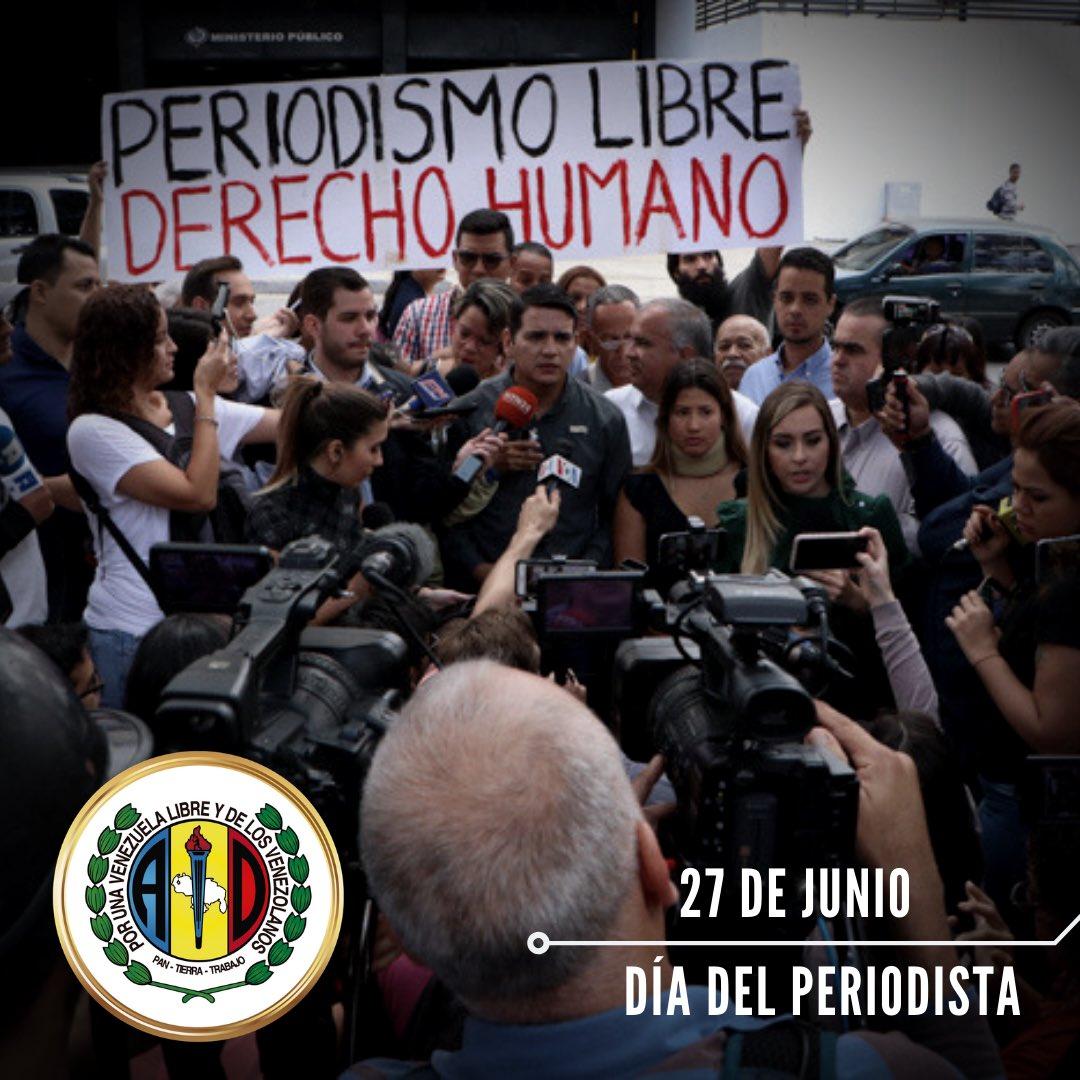 Felicito a todos los periodistas que día a día comparten con los venezolanos información veraz y oportuna. A ustedes, mi reconocimiento y admiración, gracias por todo su esfuerzo y dedicación. ¡Sigamos ADelante! Hoy más que nunca tenemos un compromiso con la verdad.