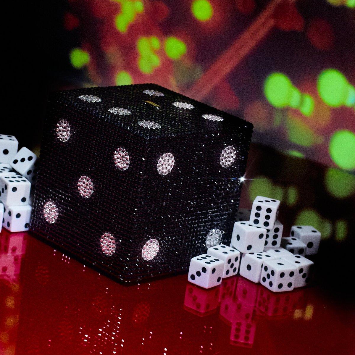 Roll the dice…#judithleibercouture https://t.co/Djs2G606ql