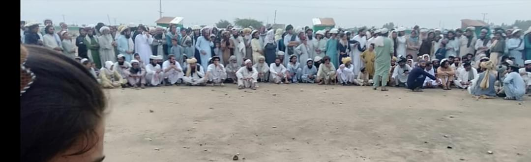 The Ppl of North Waziristan who living in IDPs Camp Come Out and record a protest on the Road. Ppl Says We tired to IDPs Camp and we return to our homes. @a_siab @gabeeno @Lwazir_ https://t.co/vZLcQnBWJm