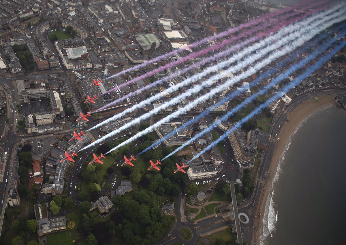 Images from this morning of the #RedArrows in the skies above North Yorkshire to mark #ArmedForcesDay, with flypasts over #Scarborough, RAF Leeming and Catterick Garrison. Pictures by SAC Hannah Smoker. https://t.co/YNhAHX1hpg