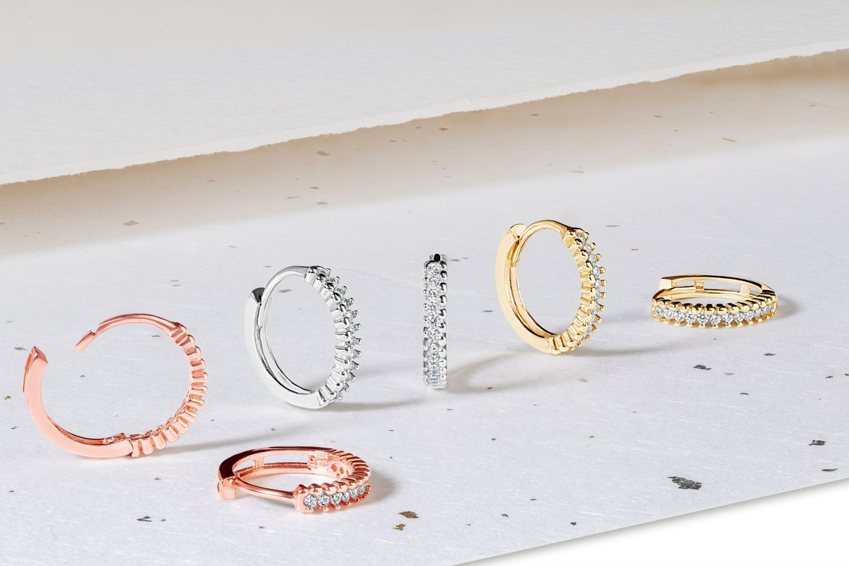 Wrap your ears in gold with these huggie style Hoop Earrings, available in white, yellow and rose gold. Find your new favourites at https://t.co/hS4DgSx0lB.  #SparkleWithFraserHart #Earrings #GoldJewellery https://t.co/EAlM7WHgc0