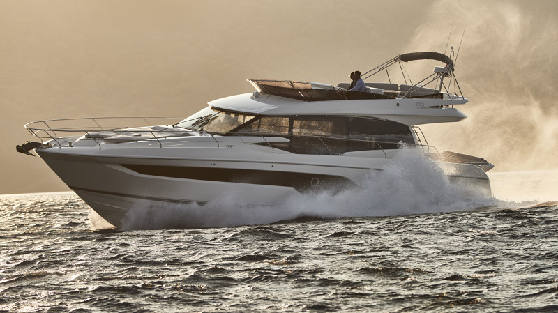 Climb aboard with @boattest for a sea trial of the PRESTIGE 590!  https://bit.ly/2x93LtU #prestige #prestige590 #prestigeyachts #yachting #boattest #seatrial #flybridgeboat #yacht #yachtlife #luxuryyachtspic.twitter.com/wXxWqYhrcs