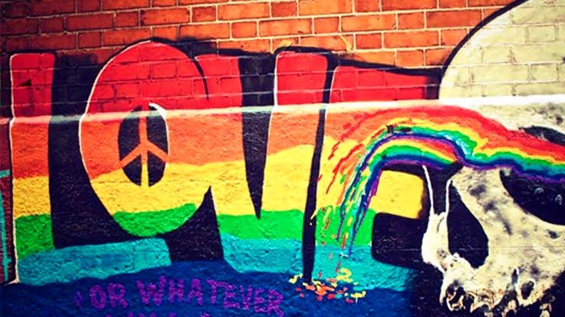 [El Amor es diverso. ¡Ama libremente, mi buen Astro!] #Pride #pridemonth #OrgulloGay • #Graffiti #StreetArt #ArteUrbano #ArteCallejero #ArtDeRue #GraffitiMéxico https://instagram.com/p/CB8fYywBxhw/pic.twitter.com/by7cYGsRpS