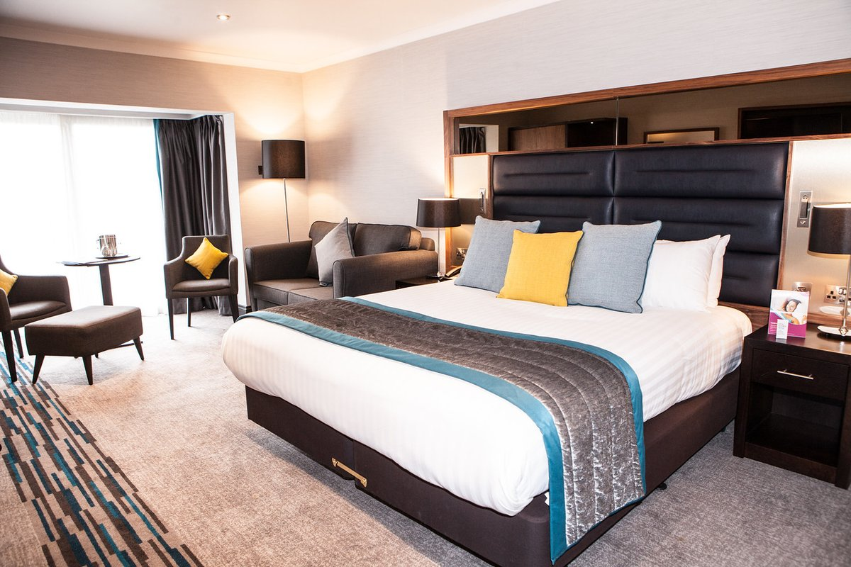 Get ready to relax and unwind. 💤 We can't wait to welcome guests back from the 4th of July.✨ #CrownePlazaFelbridge #Gatwick #Hotel https://t.co/1Nfn3RY6mc