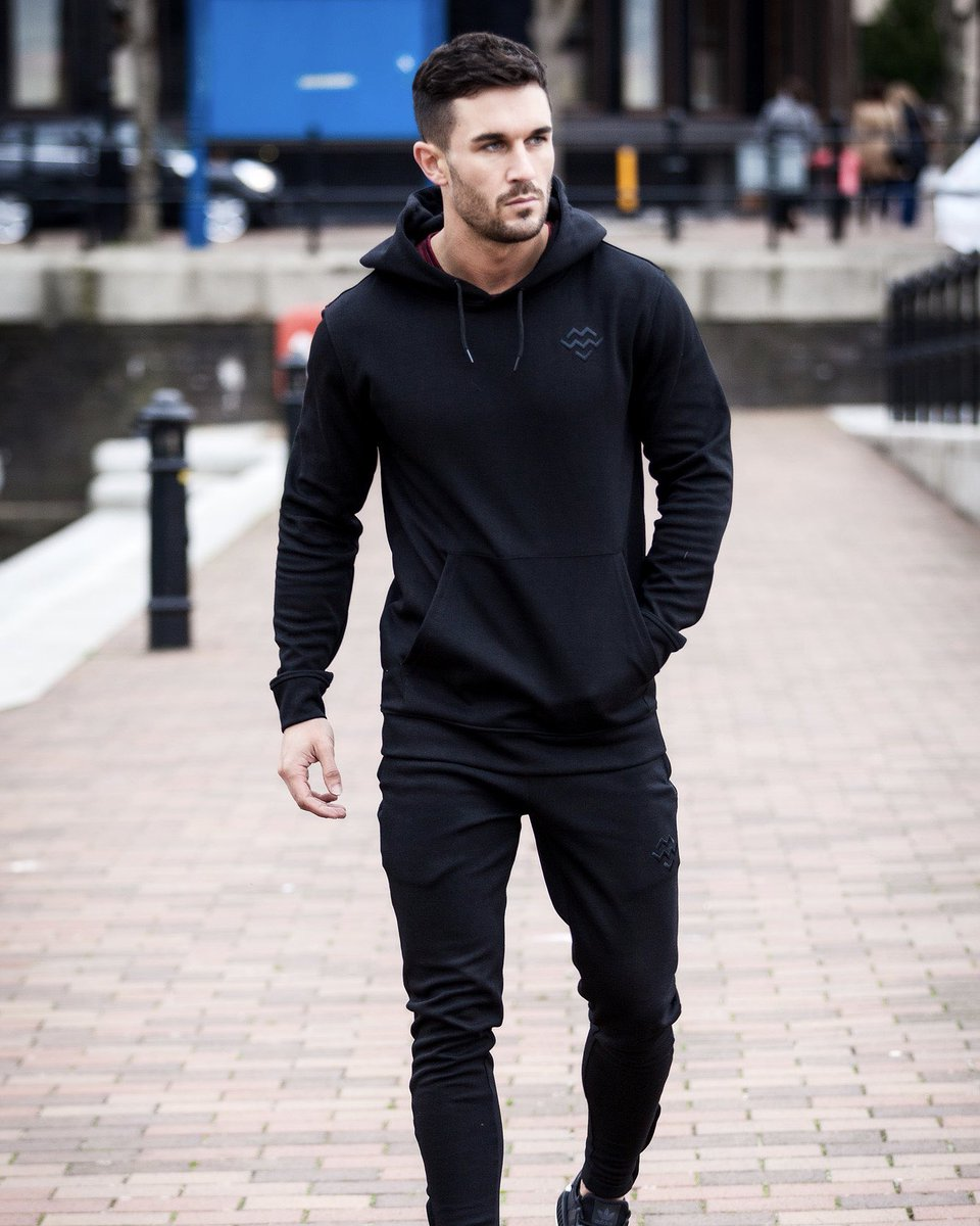 The Pursuit Pullover Hoodie (Black) & Pursuit Tapered Bottoms (Black). Constructed from our Statement Fabric built with a insulated fleece inner and has high wash durability over time. Design features include a large hidden zip kangaroo pocket. #MachineFitness https://t.co/BzZ0NOWgkX