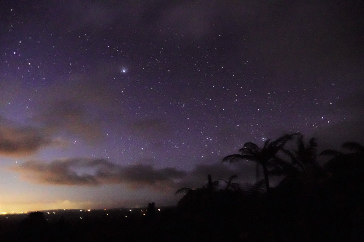Spectacular #starry dawn and a cracker of a #sunrise after a wild night. #Aongatete #WesternBayofPlenty
