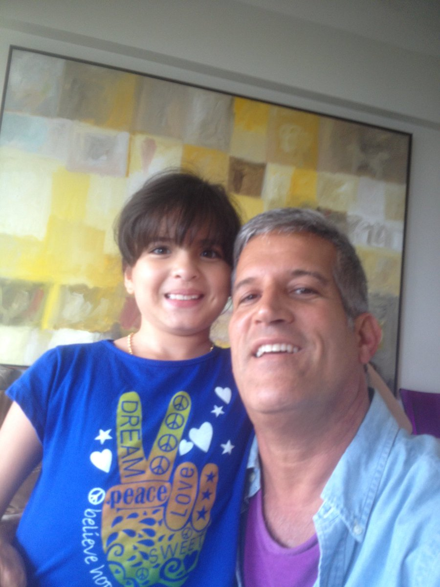 Con Penélope 😍mi hija ... https://t.co/Rq5JSzDeTa