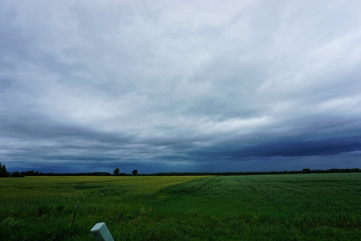 Here's some of my pictures from Athens this afternoon. Decently photogenic, lots and lots of lightning. Gonna need July to be better than June though. #onstorm #stormchasing <br>http://pic.twitter.com/Ad5Q1x8o8b